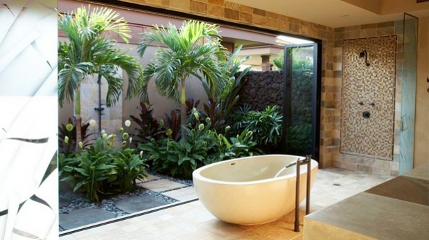 Cinco ideas creativas para tus jardines interiores ideas for Casas con jardin interior