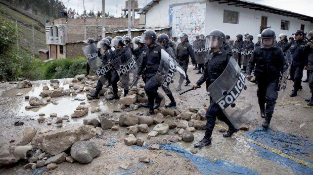 Antimineros bloquearon vías en marcha contra proyecto Conga