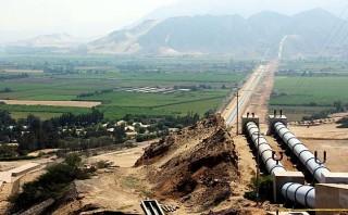 Alrededor de 35 kilómetros de los 129 kilómetros del canal madre de la tercera etapa de Chavimochic enfrentan problemas por doble y triple titulación. (Foto: Archivo El Comercio)