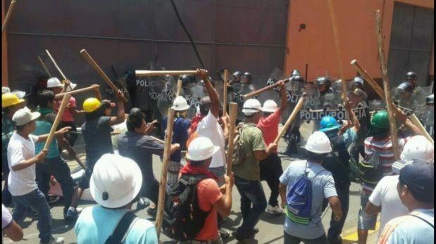 Violencia de mineros en Lima dejó cuatro policías heridos