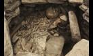 Confirman hallazgo de tumba preínca en casa donde nació MVLL