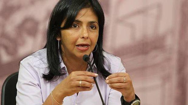 Chavismo arremete contra diario por 'crucigramas conspirativos'