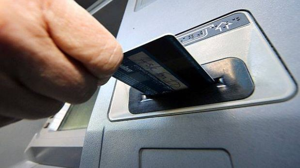 Qu puedes hacer si el cajero te da dinero falso o de for Cuanto se puede retirar de un cajero