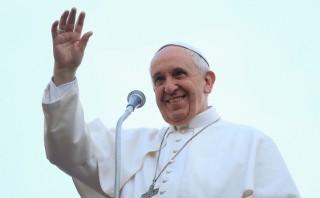 Papa lavará pies de ancianos y discapacitados en Semana Santa