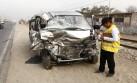 Ate: Tres heridos deja choque de minivan con camión cisterna