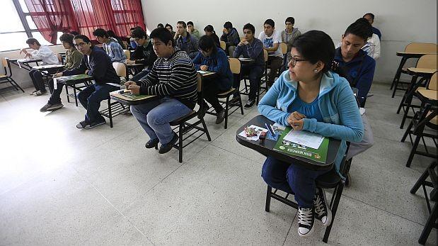 Plantean que Comisión de Constitución evalúe ley universitaria