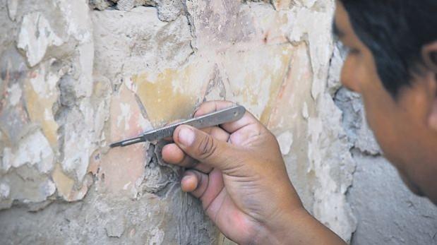 Arqueólogos hallan una pintura mural prehispánica en Pisco