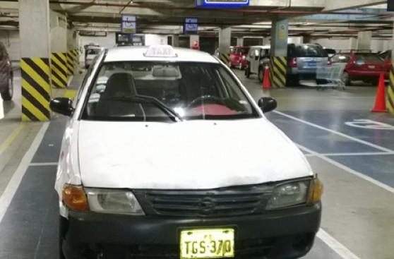 Autos Bloquean Rampas Y Accesos Para Discapacitados El