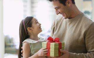 Día del Padre: ¿Cómo escoger el regalo perfecto para papá?