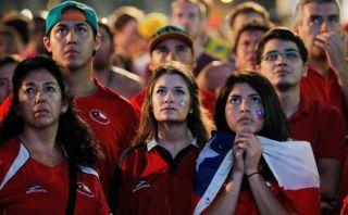 FIFA podría sancionar a Chile tras invasión de hinchas