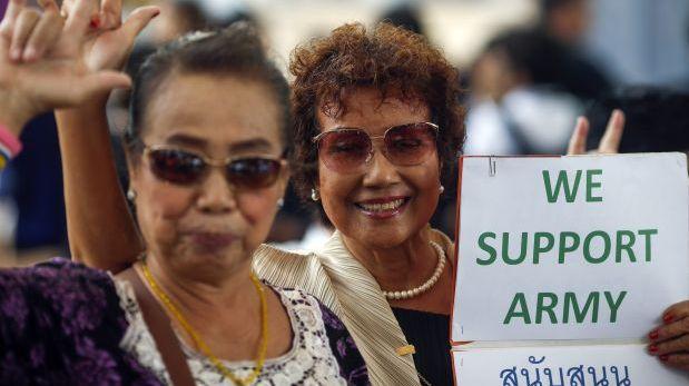 Tailandia: La junta militar trata de imponer la felicidad