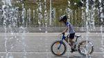 Tener una bicicleta en Venezuela es un lujo debido a la crisis - Noticias de modelo venezolana
