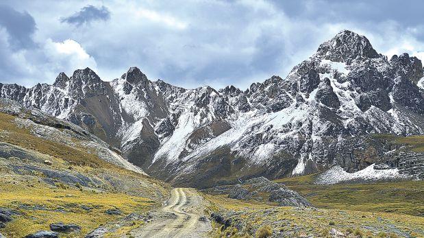 El nevado Pastoruri en los últimos años experimentó una disminución en su flujo de visitas en razón del retroceso significativo de su masa glaciar.(Sernanp)