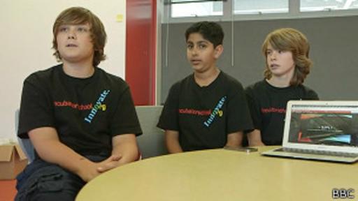 La escuela también enseña a trabajar en equipo.