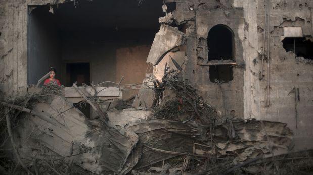 Hamas dispara contra Tel Aviv y Jerusalén, Israel bombardea