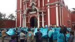 Enfermeras de Essalud encadenan la entrada al templo Santa Rosa - Noticias de huelga de enfermeras