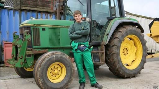A Dale Chapman le gusta simular que es granjero y cultiva sus tierras.