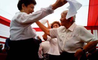 Adulto mayor: Lince festeja por adelantado las Fiestas Patrias