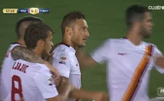 Real Madrid perdió 1-0 ante Roma por golazo de Totti