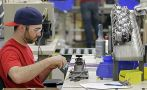 Desempleo en EE.UU. cayó 5,3% tras creación de 223 mil plazas