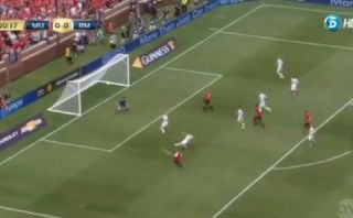 Taco de Rooney, pase de Welbeck y golazo de Ashley Young