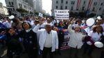 Policías y médicos se enfrentan en marcha por el centro de Lima - Noticias de lourdes fernandez