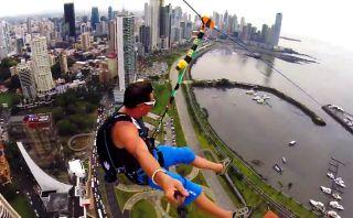 VIDEO: Jóvenes realizan increíble salto desde cable en Panamá