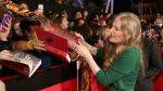 Suzanne Collins y otros escritores en disputa con Amazon - Noticias de king digital
