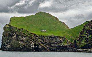 Esta isla alberga la casa más aislada del mundo en Islandia