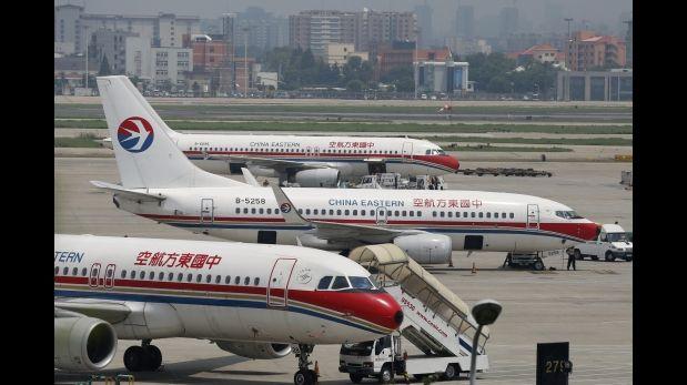 Avión retrasa su aterrizaje por siesta de los controladores