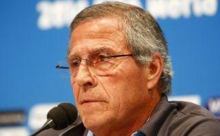 Óscar Tabárez tiene acuerdo para seguir dirigiendo a Uruguay