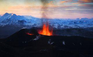 Este volcán en Islandia dejaría sin vuelos al norte de Europa