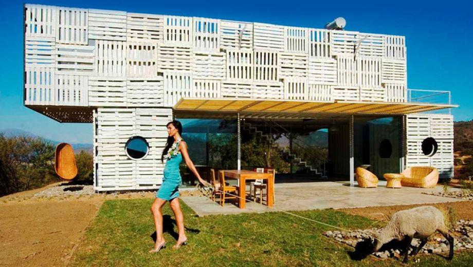 Reciclaje total: Esta casa fue construida con residuos en Chile