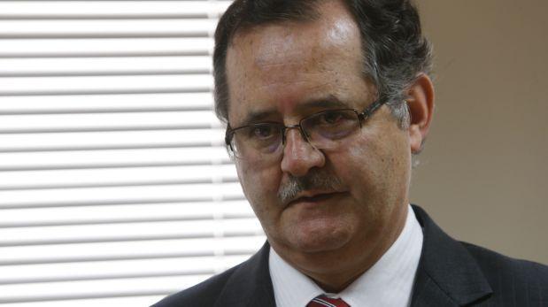 Congreso admite error en depósito a Falconí y le pide disculpas