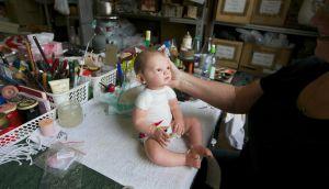 Imágenes tenebrosas de un hospital de muñecas