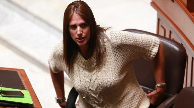 ¿Por qué cambió su voto la congresista Gaby Pérez del Solar?