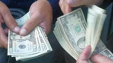 Dólar vuelve a romper récords de los últimos cuatro años