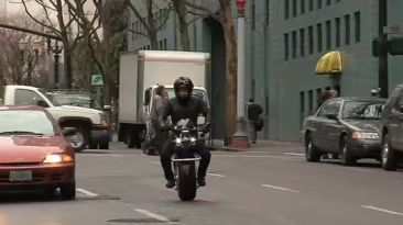 VIDEO: Una moto eléctrica con una sola rueda