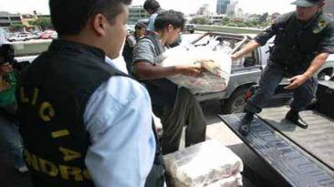 Más de 37 kilos de cocaína estaban en camioneta abandonada