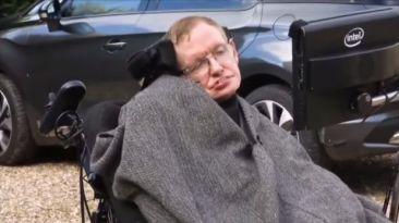 VIDEO: Stephen Hawking se une al Ice Bucket Challenge