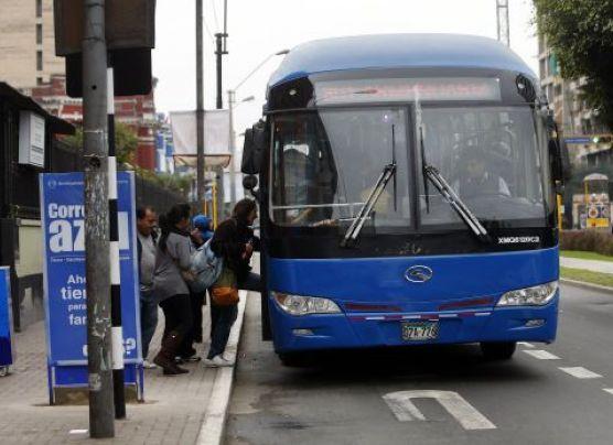 Por inicio de corredor azul se recortó ruta de cústeres y buses