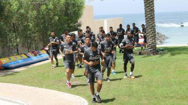 Selección peruana entrena a 40°C en Dubái para duelo ante Iraq