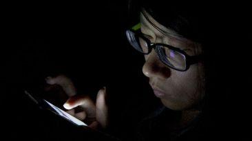 ¿Cómo evitar que te roben fotos (y más) del celular?
