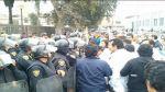Médicos se enfrentaron a policías en el Hospital 2 de Mayo - Noticias de huelga de médicos