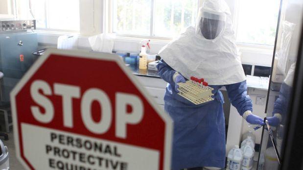 Vacuna contra el ébola logra proteger a monos por 10 meses