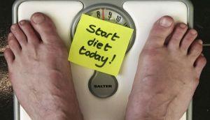Cinco conductas que sabotean tu dieta