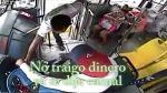 Chofer impide asalto y baja a ladrón a patadas en México - Noticias de