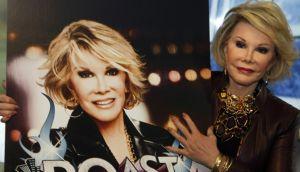 Médico se tomó 'selfie' mientras Joan Rivers estaba anestesiada