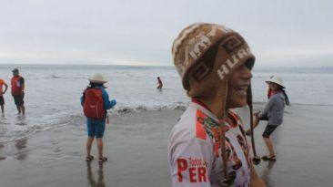 Niños de pueblos amazónicos vieron por primera vez el mar