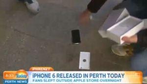 Es el primero en comprarse un iPhone 6 y se le cae al suelo